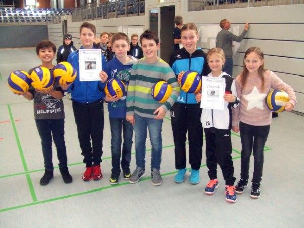 Die Siegermannschaften des Turniers